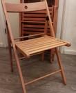 Klapstoelen van hout (vier stuks)