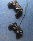 PlayStation met 2 Controlers PS4