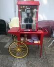 Popcornmachine met kar en 50 porties popcorn!