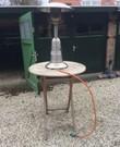 Tafelmodel gasheater MET statafel dus 2 vliegen in 1 klap. Gas kan ik er bij leveren dan weeg ik het verbruik.