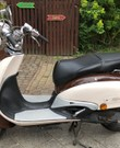 Leuke Retro Scooter te huur: cruise een dag samen of alleen door Gent en omstreken!