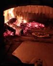Pizzaoven op hout gestookt