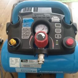 Lucht Compressor max 8 bar 6 liter inhoud inclusief accessoires