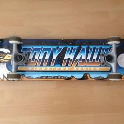 Skateboard (Tony Hawk signature series)