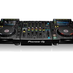 CDJ2000 Nexus2 + DJM900 Nexus2 Mixer