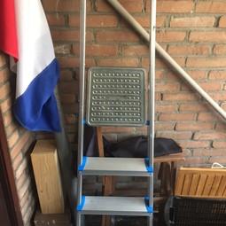 4 treden Ladder 82cm hoog