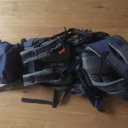 Mid size backpack (more than 30 l)