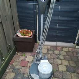 Boen/ schrobmachine voor vloeren