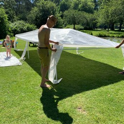 Partytent / stretch tent