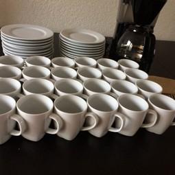Gebaksbordjes -vorkjes en koffiebekers