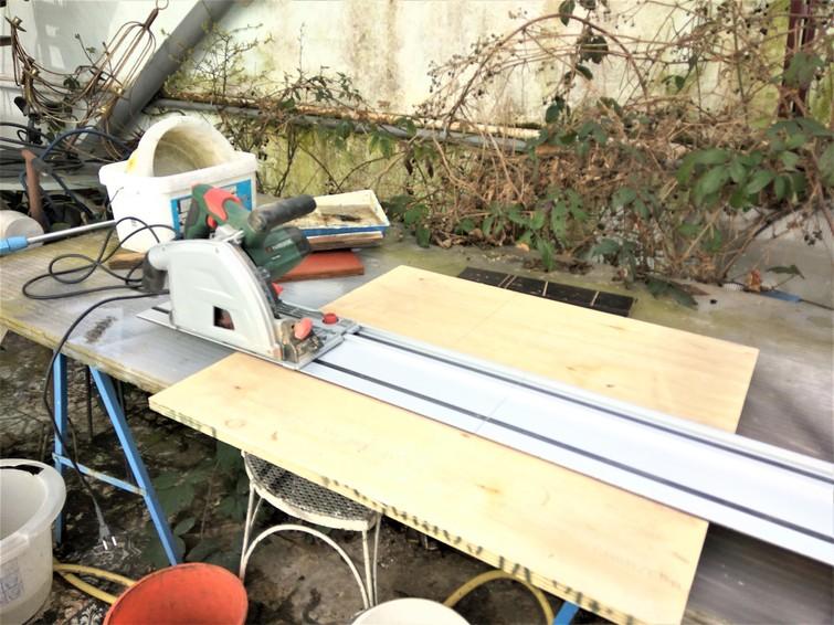 Invalzaag met geleiderail 70-140cm 1200 watt