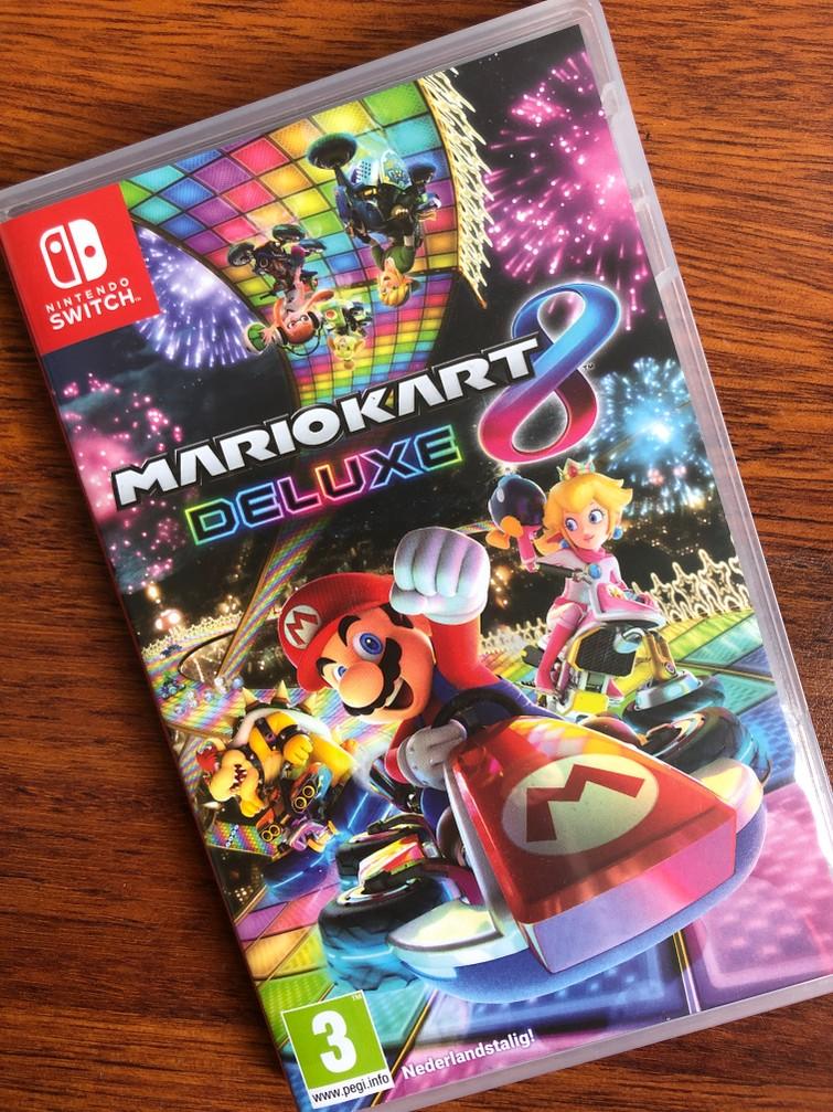 Nintendo Switch Game Mario Kart Deluxe 8