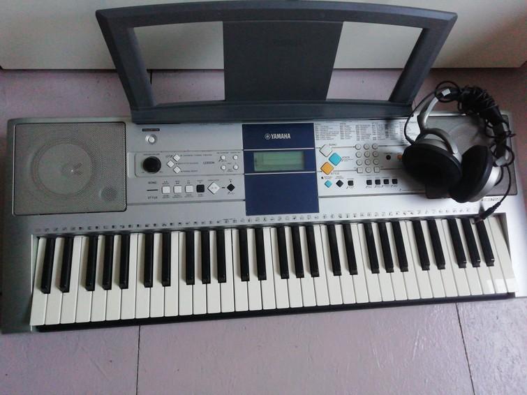 Keyboard Yamaha PSR E323