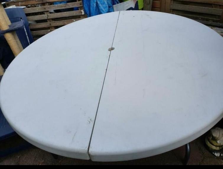 Ronde witte tafels 150cm doorsnede