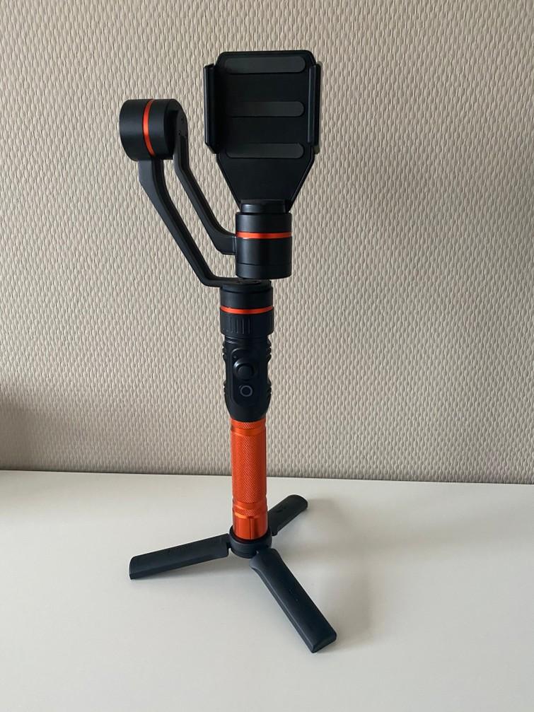 Smartphone gimbal Rollei