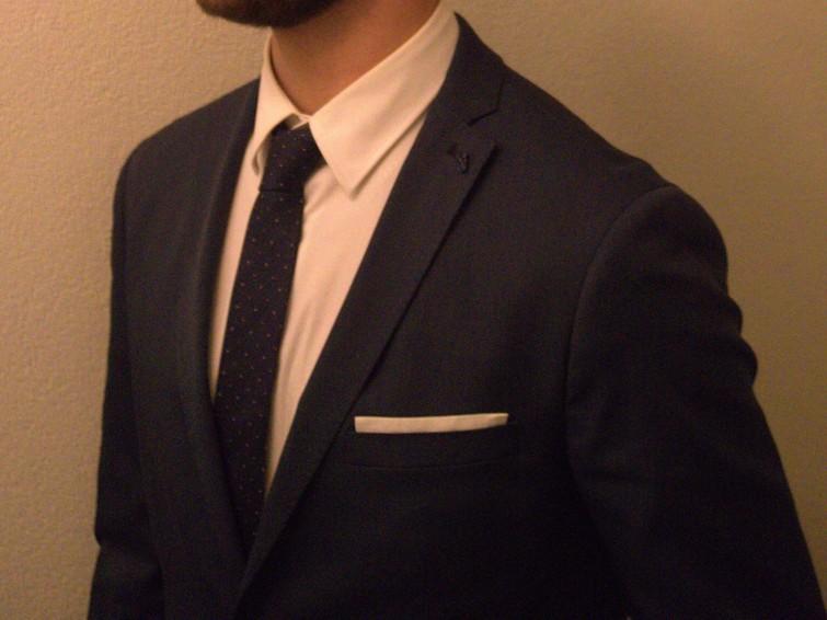 Marineblauw pak met overhemd