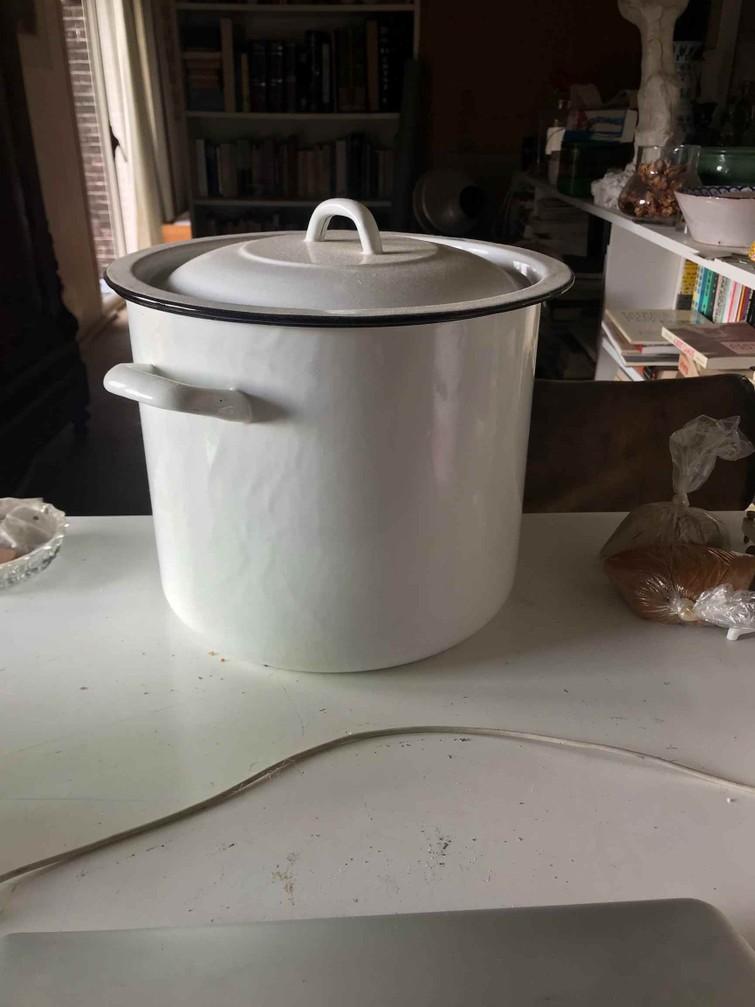 pan voor waterrijke gerechten als mosselen en soepen
