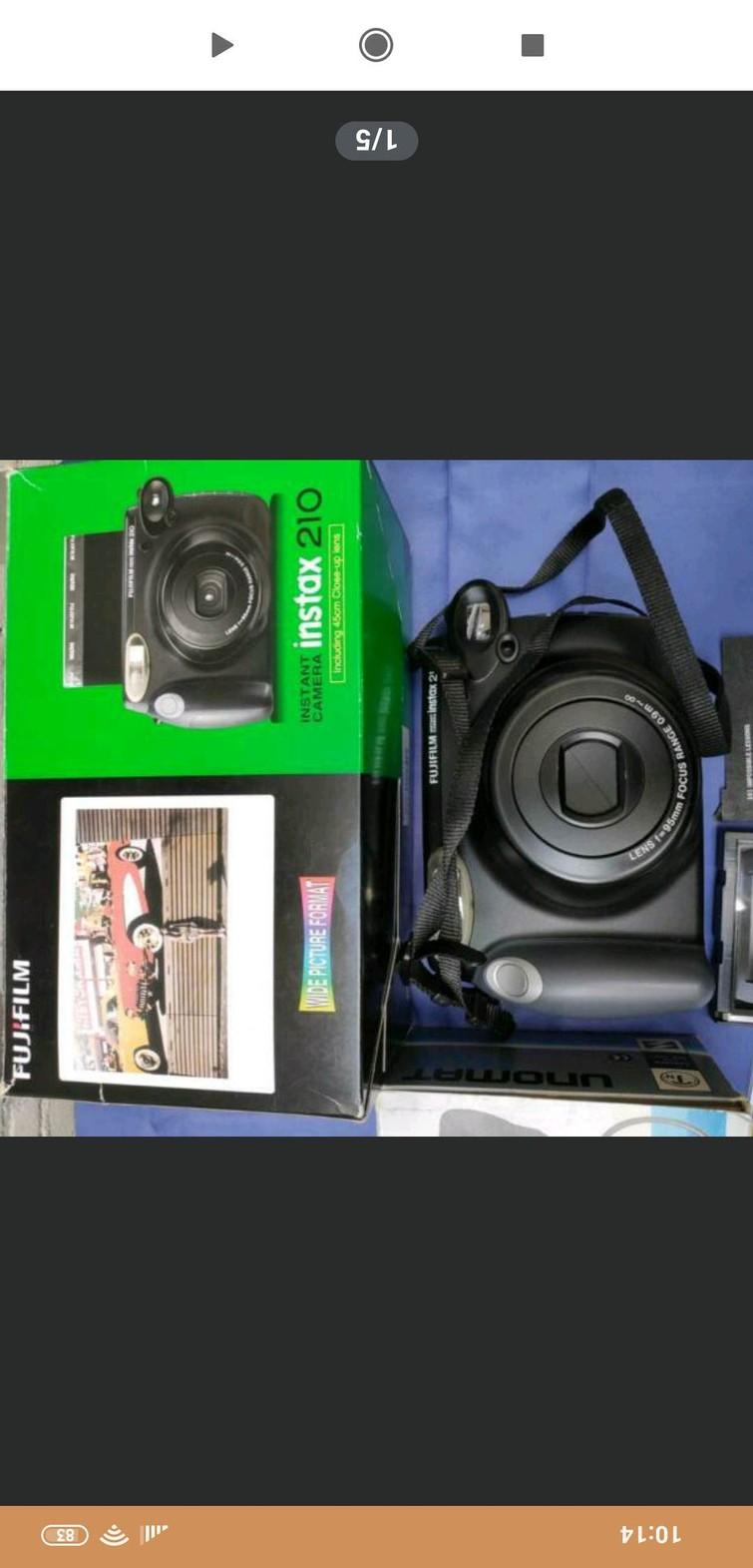 Polaroid camera Fujifilm Instax 210