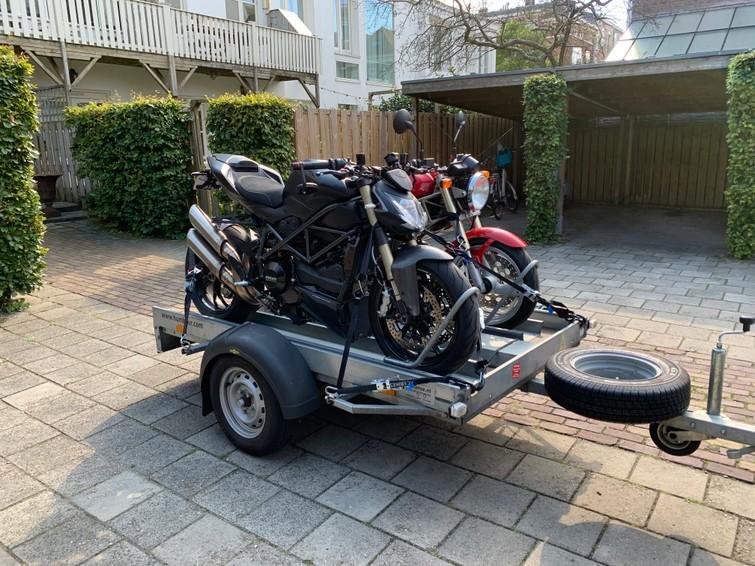Motortrailer / aanhanger voor twee motoren
