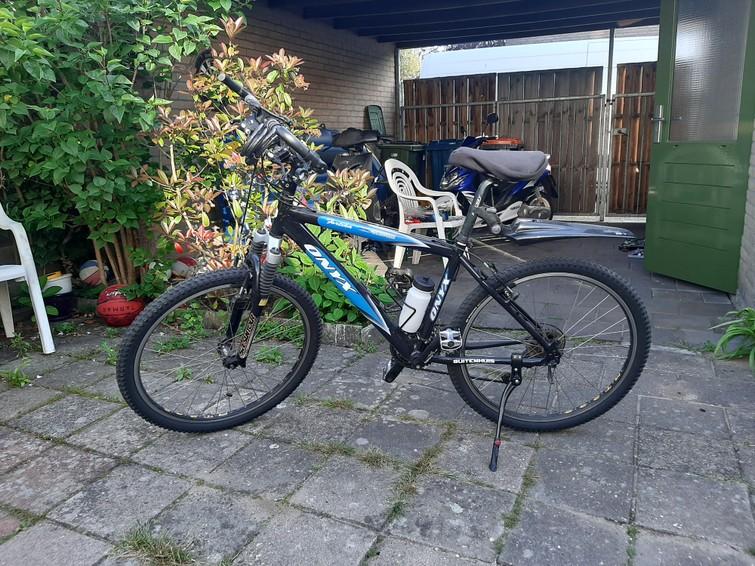 Robuuste mountainbike met 18 shimano versnellingen