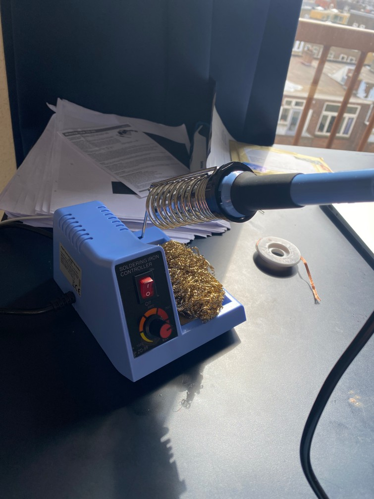 Soldeerbout / Soldering Iron station