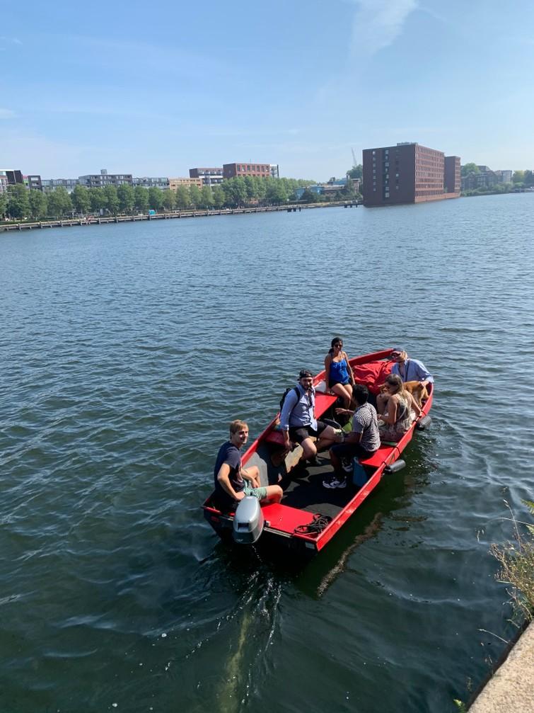 Stalen grachtenboot/vlet 9 personen
