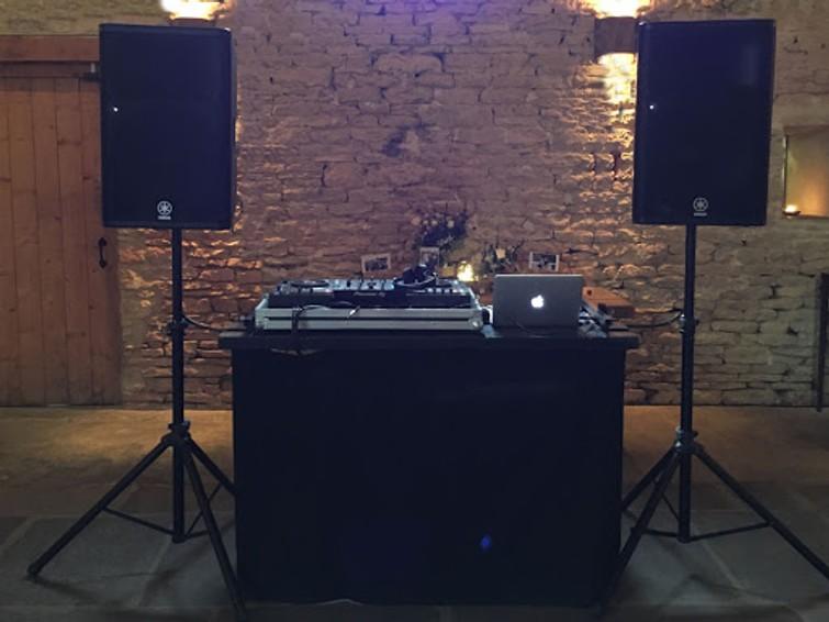 DJ huren + geluid + lichten