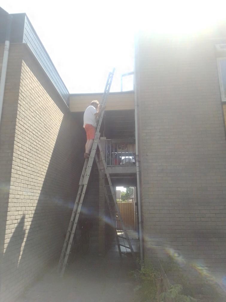 alu schuifladder / A-ladder (9 meter)