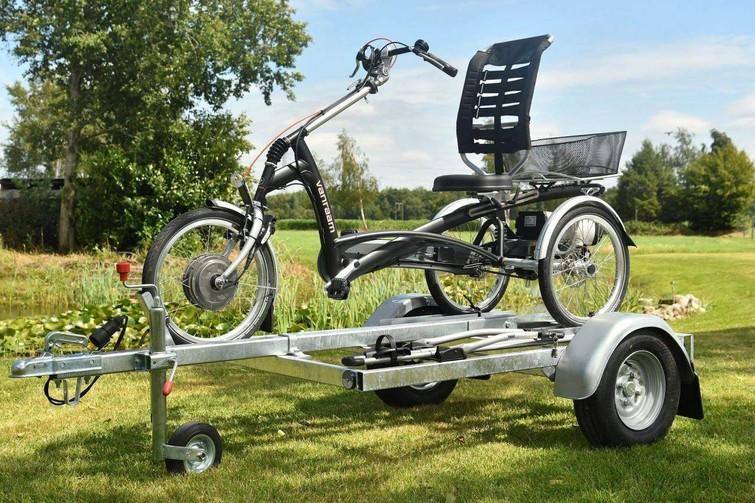 Aanhanger voor driewielfiets en extra fiets te huur