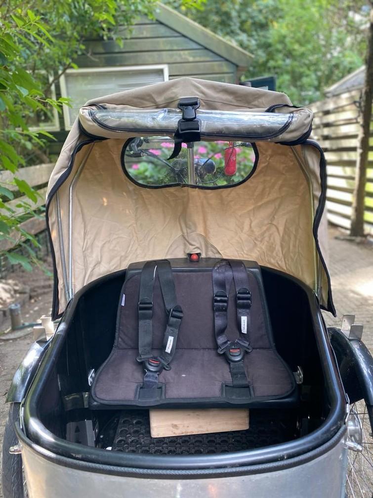 Bakfiets om kinderen/babies  te vervoeren / Bakfiets to transport kids/babies