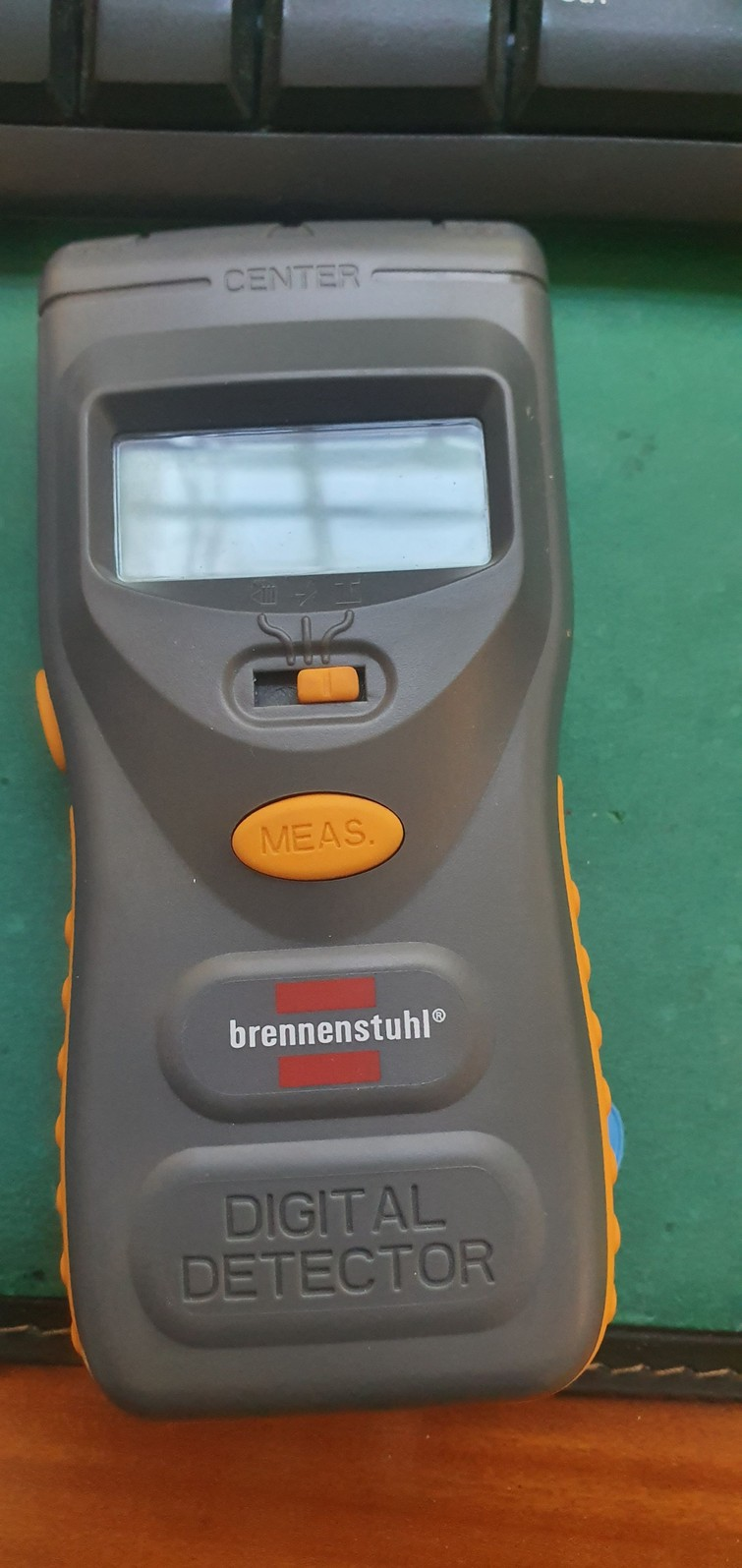 Leidingdetector of muurscanner