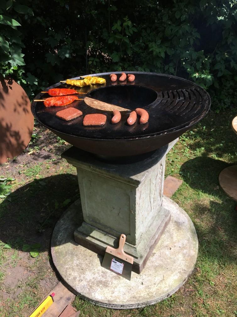Vuurschaal / BBQ/barbecue/ grillring, bakken tot voor 50 personen