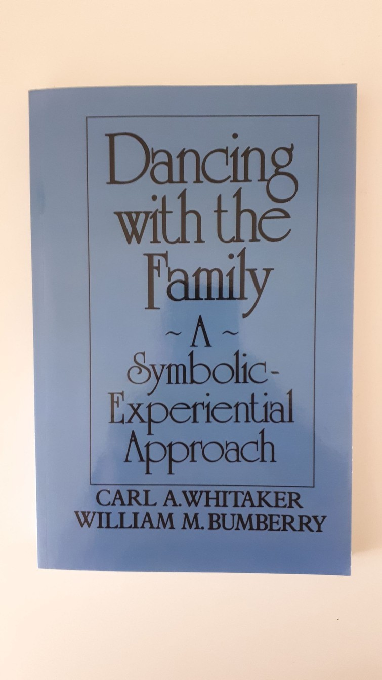 Boek - Dancing with the Family  - Whitaker & Humberry