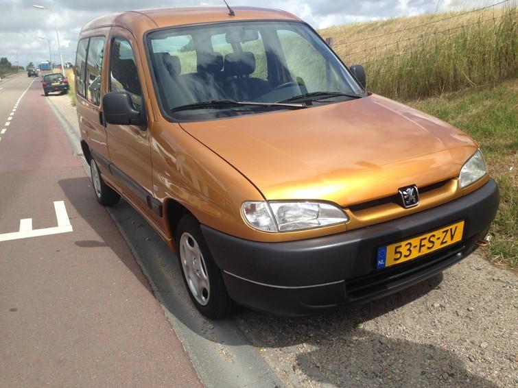 Bestelauto Peugeot Partner Goud