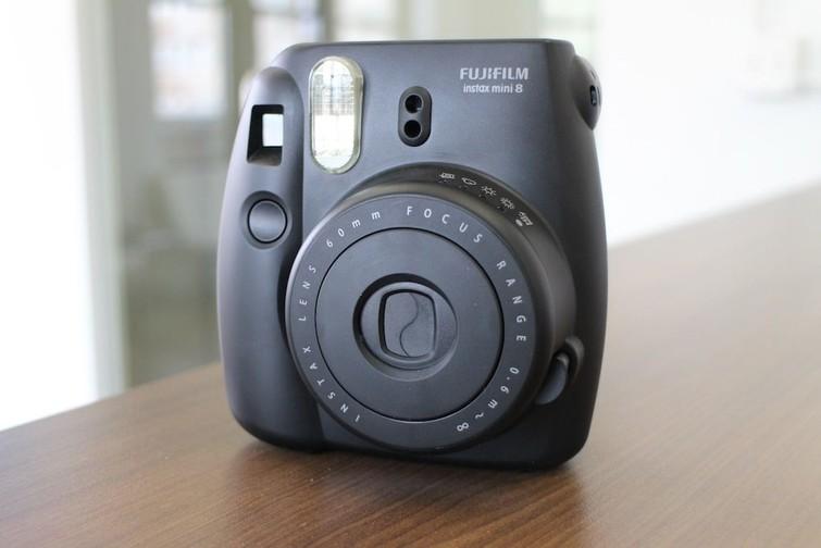 Lekker compacte Polaroid camera (Fuji Instax mini 8)