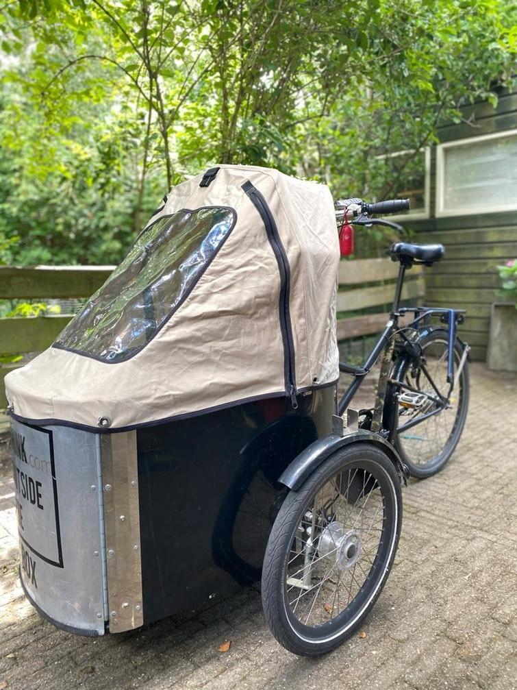 ELEKTRISCHE Bakfiets om kinderen  te vervoeren / Bakfiets to transport kids/babies