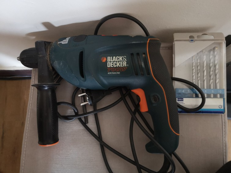 Klopboor black en decker 700w