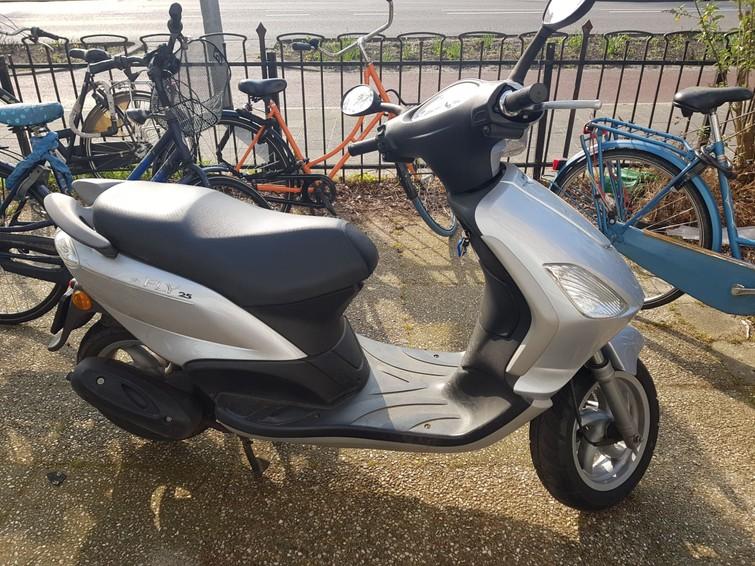 Goed werkende scooter blauw kenteken(max 43 km/uur)