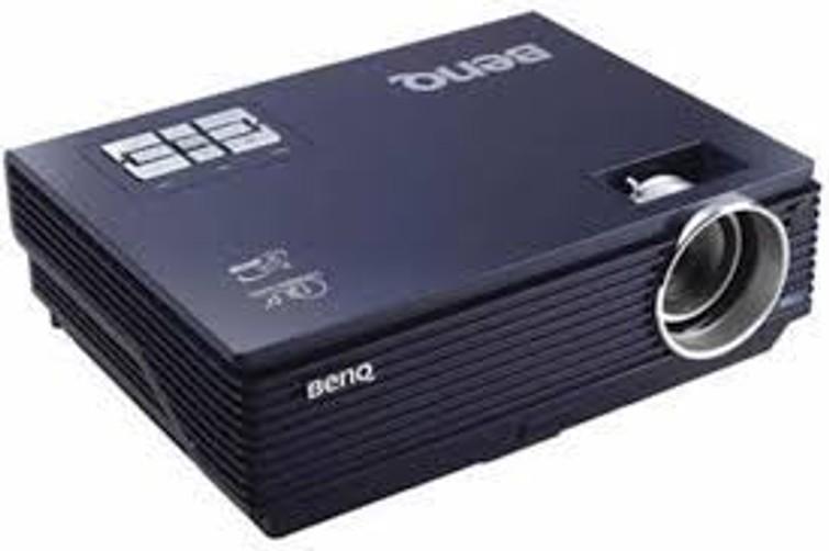 Beamer BenQ MP611 (SVGA, 2000:1, 2400, DLP)