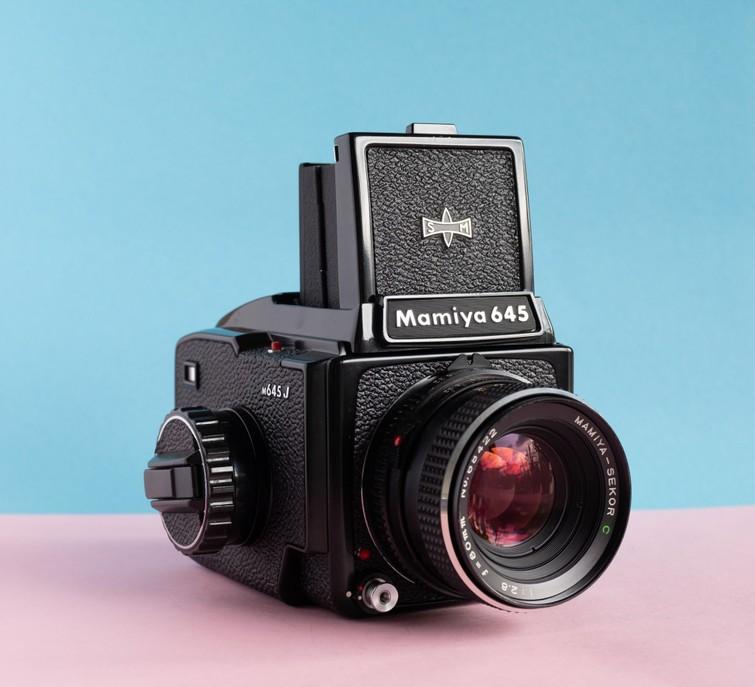 Analoge Medium Format Camera | Mamiya M645 + 80mm F2.8 + lichtmeter