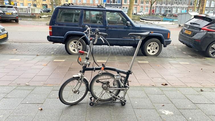 Vouwfiets Brompton - maximaal opvouwbaar + fietst subliem. Je kunt 'm nu