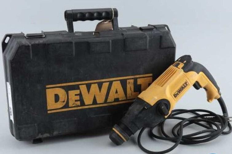 Boorhamer / klopboormachine deWalt, D25112-QS