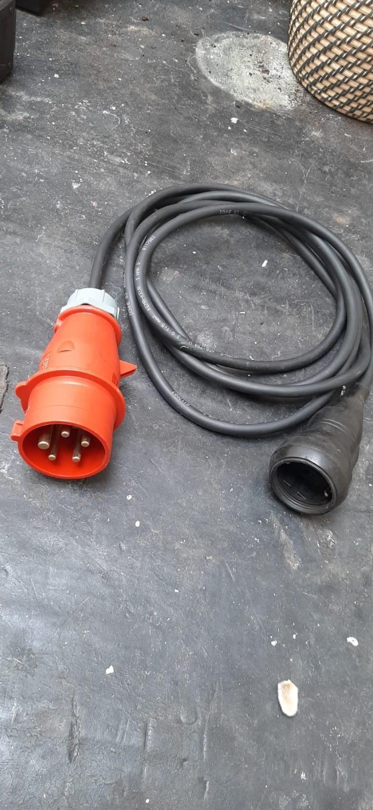 Krachtstroon kabel  naar 220v kabel