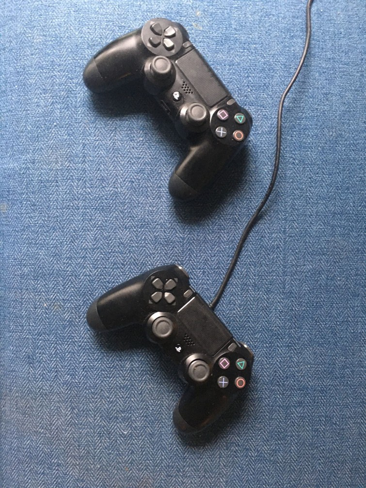 2 Controlers PS4