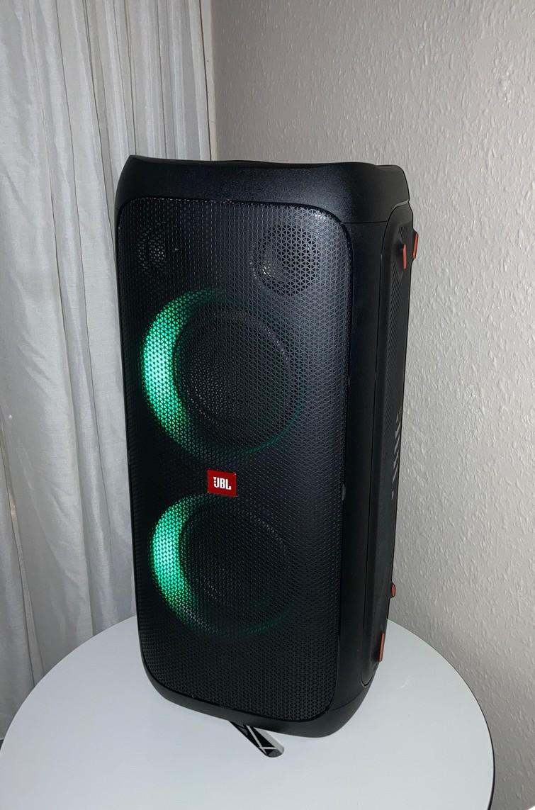 JBL partybox / speaker