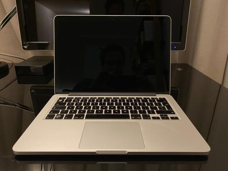 Goed werkende Mac book Pro met MS office, keynote, alles.