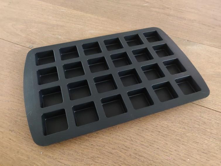 siliconen bakvorm met 24 vakjes