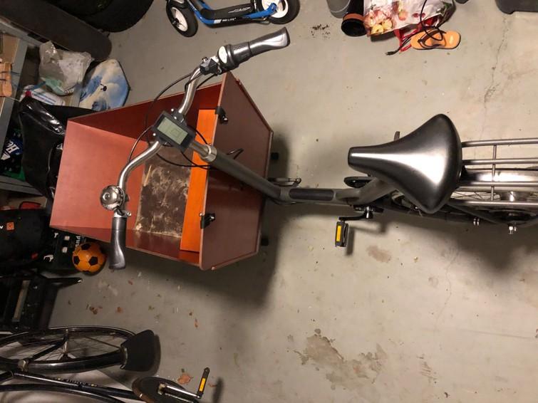 Elektrische bakfiets tweewieler