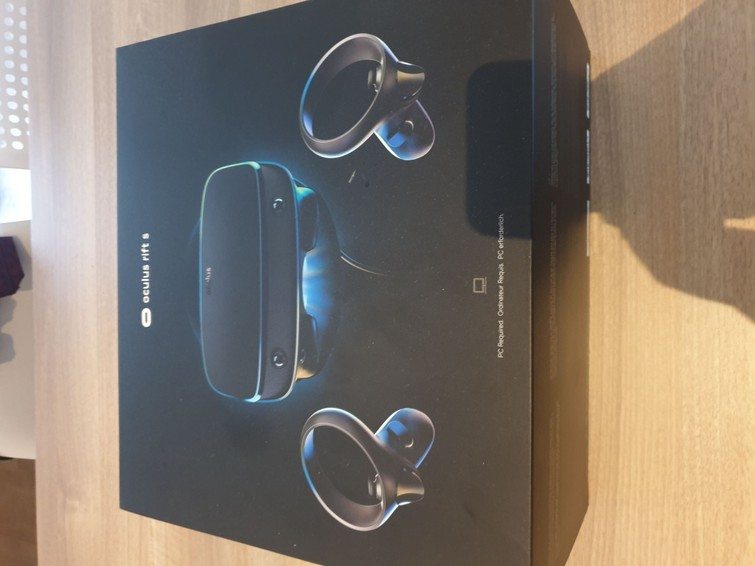 Occulus Rift S VR Headset + Controllers