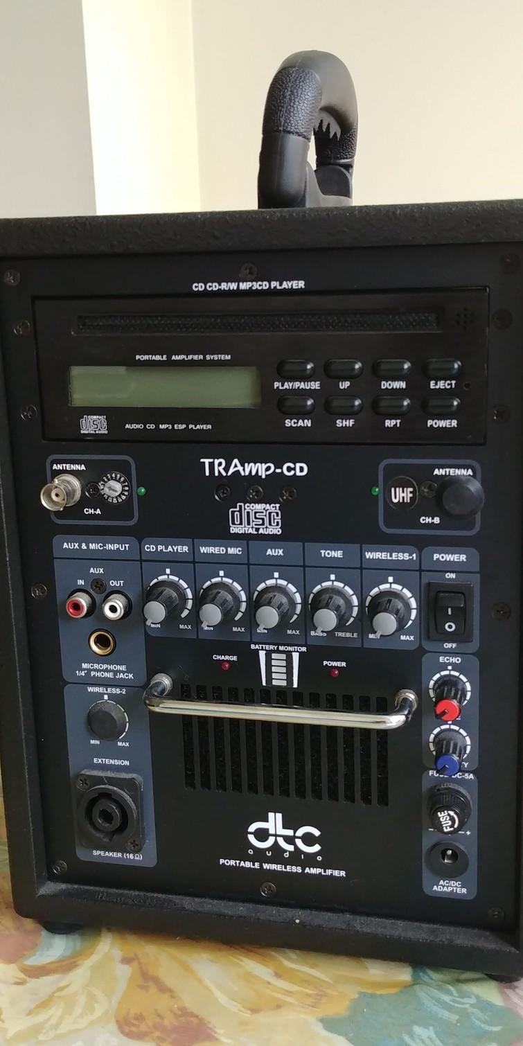 Draagbare luidspreker + cd-speler + microfoon